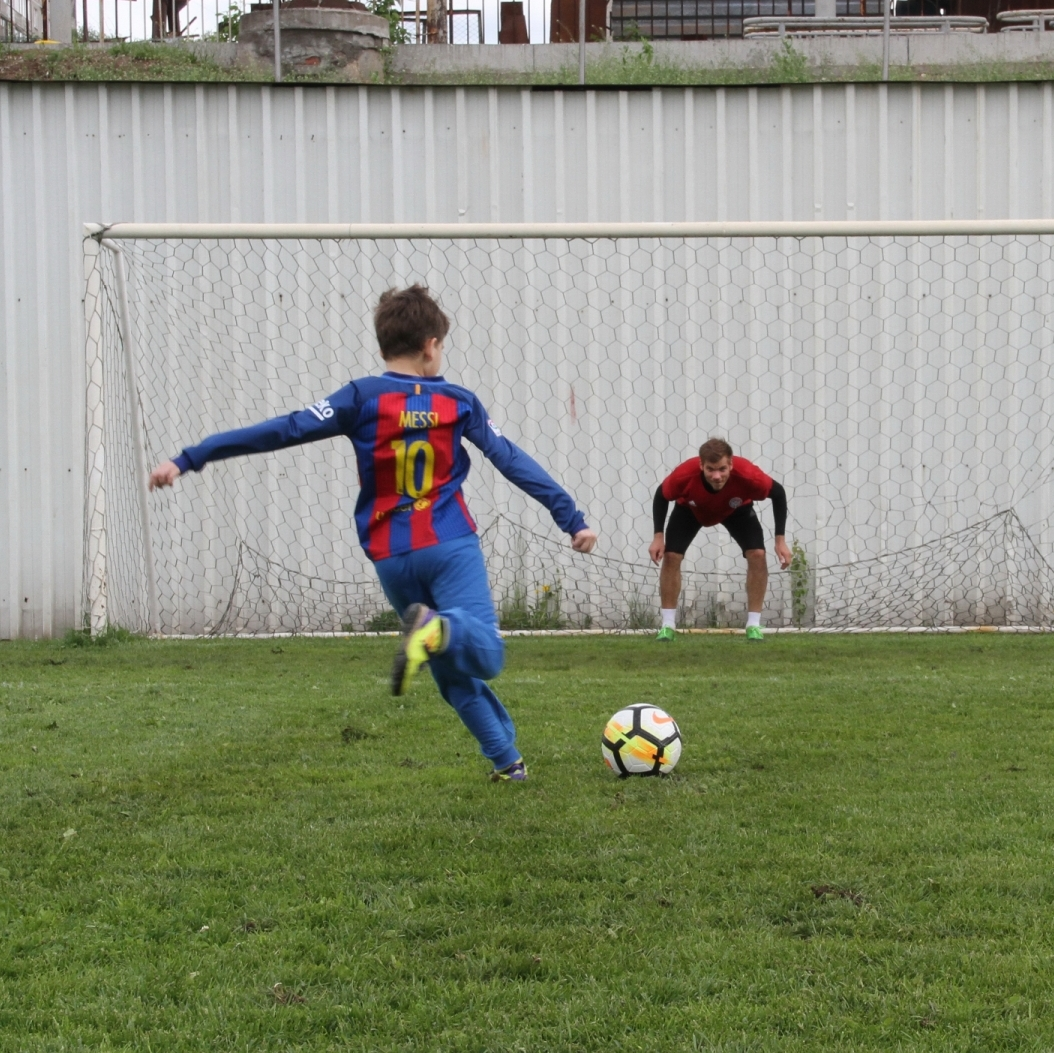 Денис Татевян побывал на тренировке Амкара!